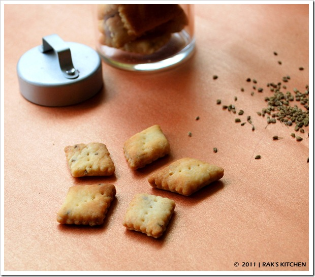 Sweet and salt biscuits flavoured with carom seeds