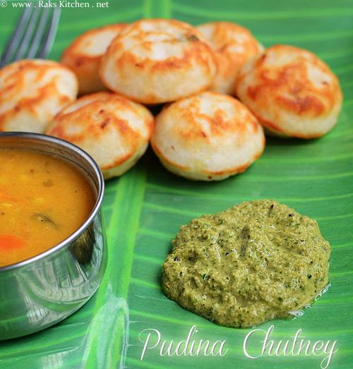 pudina chutney with paniyarams