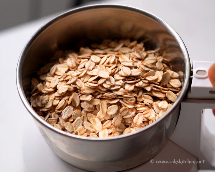 oats placed in blender
